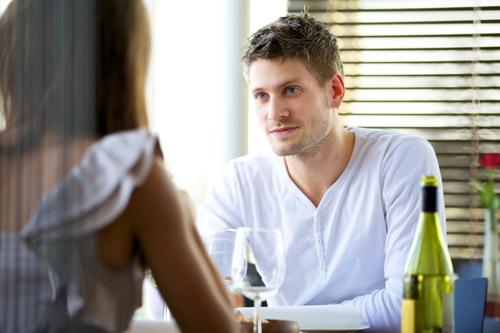 کی و چگونه به فرد معتاد نزدیک شوید و با او گفتگو کنید